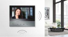 Nowy wideodomofon Smart Wi-Fi umożliwia obsługę funkcji systemu przy użyciu powiązanego z nim smartfona